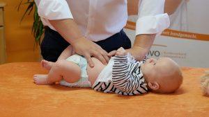 Oft kann Kinderosteopathie Säuglingen helfen
